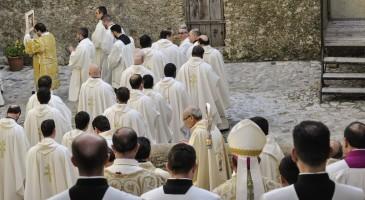 L'accompagnamento delle famiglie interpella il ruolo e l'identità dei presbiteri