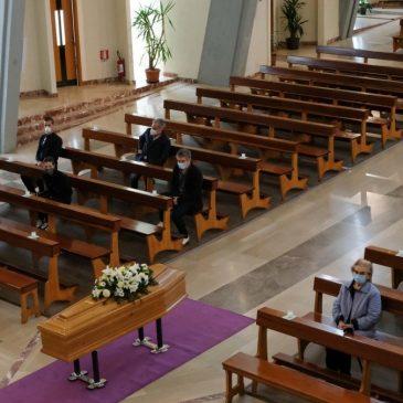 Nota dell'Ufficio liturgico sulla celebrazione delle esequie,trigesimi e anniversari